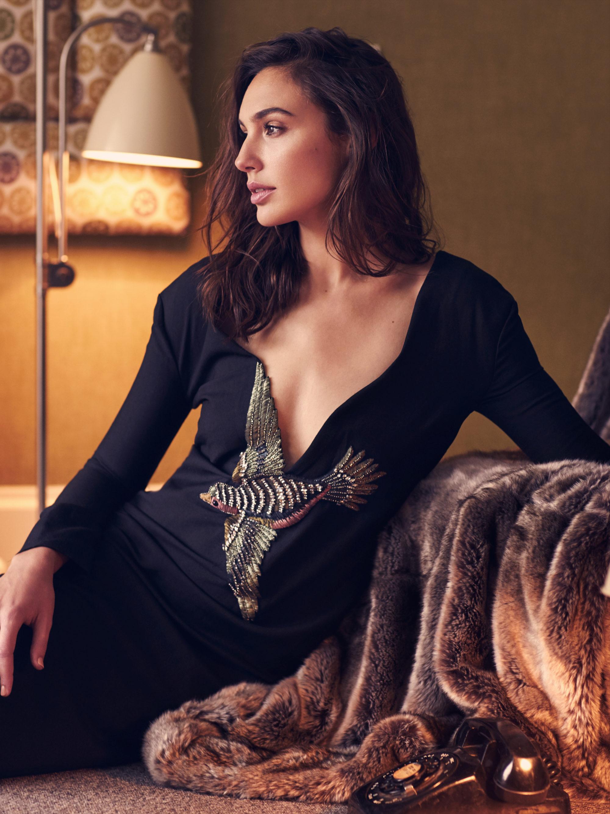 Marian Sell Vogue Russia Gal Gadot 01 B